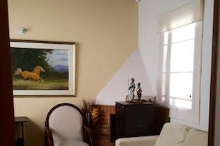 Casa en venta en Chia-Rio Frío, habitación con baño privado, chimenea y Zonas húmedas