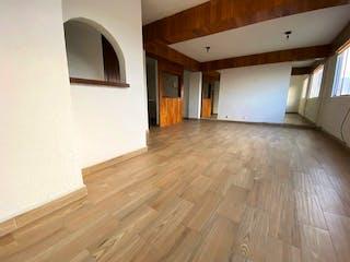 Una habitación con suelos de madera y un suelo de madera en A 4 cuadras del centro del Tlalpan y Zona Hospitales $2,700,000.00