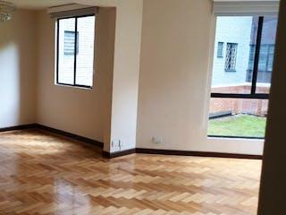 Una cocina con nevera y una ventana en Apartamento en venta en Santa Bárbara Occidental de 80m² con Gimnasio...