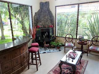 Una sala de estar llena de muebles y una ventana en Lote en venta Ubicado en Santa Barbara