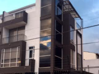 Una foto en blanco y negro de un edificio en Casa en venta en Casco Urbano Cajicá de 3 habitaciones