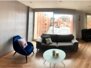 Un par de sillas que están en una habitación en Apartamento en venta en Chicó Reservado de 81m² con Zonas húmedas...