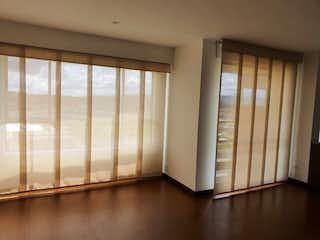 Una vista de una habitación con una puerta corredera de cristal en Apartamento en venta en Barrio Toberín de 106m² con Gimnasio...