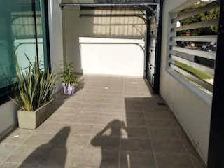 Una vista de una cocina con una planta en maceta en Casa en venta en Contador, 260m² con Zonas húmedas...