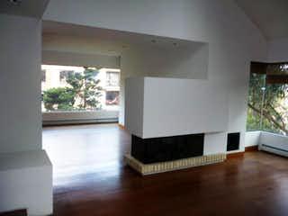 Una sala de estar llena de muebles y una ventana en Penthouse en venta, ubicado en Bosque Medina