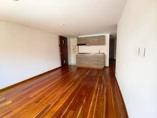 Una habitación con suelos de madera y suelos de madera en Apartamento en venta en La Calleja con Balcón...