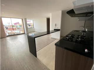 Una cocina con una estufa y un fregadero en Apartamento en venta en Las Villas con Balcón...