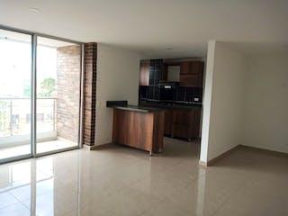 Cocina con nevera y microondas en Apartamento en venta en La Castellana 100m²