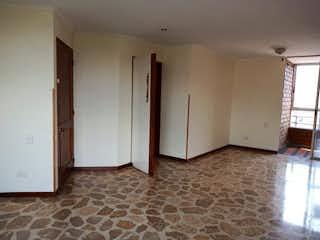 Una cocina con nevera y fregadero en Apartamento en venta en Bolivariana, 94m²