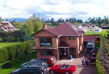 Casa Campestre En Venta En Chia La Balsa, con gimnasio y sauna.