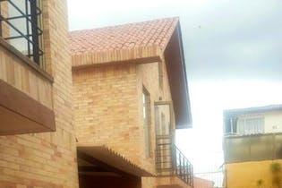 Casa en venta en Casco Urbano Chía de 4 hab. con Solarium...