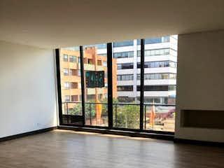 Una vista de una sala de estar con una ventana en Apartamento en venta Ubicado en Santa Barbara