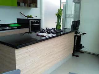 Una cocina con un fregadero y un mostrador en ella en Apartamento En Venta En Chia Chia