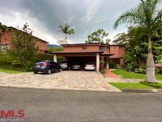 Casa Loma, casa en venta en Loma de Benedictinos, Envigado