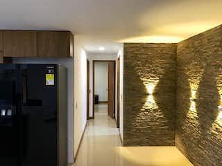 Un cuarto de baño con ducha y lavabo en Apartamento en venta en Las Lomitas de dos habitaciones