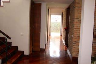 Casa condominio en Chia-Guaymaral, con 4 alcobas.