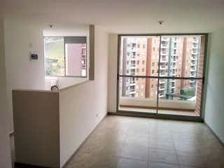 Una vista de una sala de estar y una sala de estar en Apartamento en venta en El Trianón de tres habitaciones