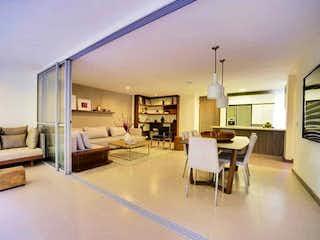 Una sala de estar llena de muebles y una mesa en Apartamento enventa en El Dorado de tres habitaciones