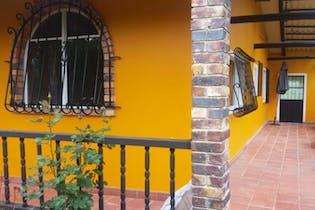 Casa Lote en venta en Tabio, esta ubicado cerca a vías pavimentadas de fácil acceso.