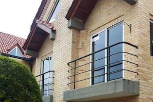 Casa en Chía, Bogotá - con terraza, cuatro habitaciones