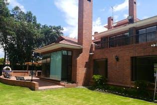Casa Condominio en Chia San Simon cuenta con 5 habitaciones