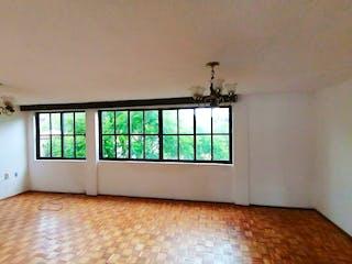 Una ventana grande en una habitación con una ventana en Departamento en venta en Olivar de los Padres de tres recamaras
