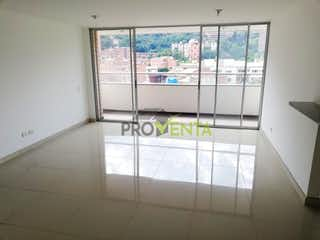Un cuarto de baño con una bañera y una cortina de ducha en Apartamento en venta Envigado La Paz