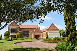 Casa En Venta En Chia Sindamanoy, rodeada de amplias zonas verdes. Seguridad, fabulosa sede social