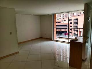 Un cuarto de baño con ducha y una ventana en Apartamento en venta en El Rincón 63m²