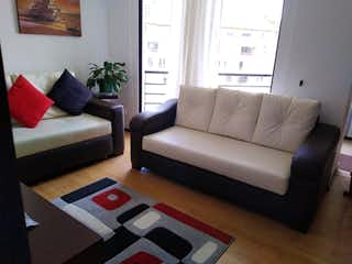 Una sala de estar con un sofá y una mesa de café en Apartamento en venta en La Alhambra con acceso a Balcón