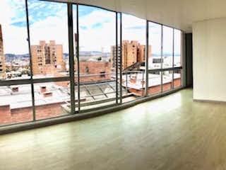 Una vista de una sala de estar desde una ventana en Vendo apartamento vista 360 en La Calleja. 3 balcones