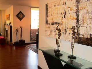 Una sala de estar llena de muchos muebles en Apartamento en venta en Las Margaritas 211m² con Jardín...