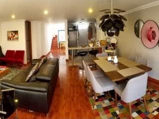 Una imagen de una sala de estar y un comedor en Apartamento Dúplex en venta Ubicado en Batán