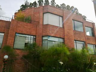 Un edificio de ladrillo con un edificio de ladrillo rojo en Apartamento en Venta - Santa Ana - Usaquen