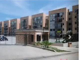 Una foto en blanco y negro de un edificio en Apartamento en Venta VERGEL