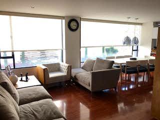 Una sala de estar llena de muebles y una ventana en ZMH-1413 Apartamento en venta, San Patricio