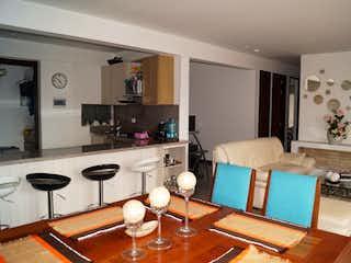 Una sala de estar llena de muebles y una mesa en ZS-491 Apartamento en venta, Ciudad Jardín Norte