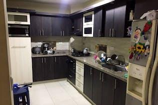 Apartamento en venta en Cuarta Brigada 180m²