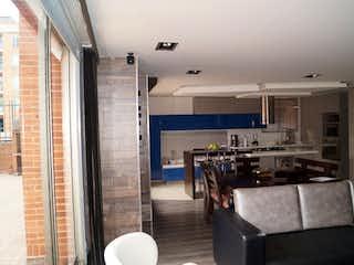 Una sala de estar con un sofá y sillas en ZS-440 Apartamento en Venta, Chico Navarro