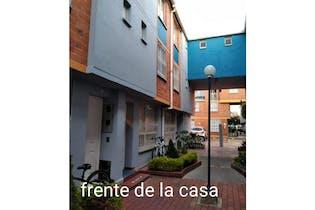 Venta De Casa En Conjunto Santa Fe De Fatima Sobre La Avenida Boyaca