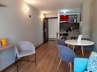 Una sala de estar llena de muebles y una mesa en Apartamento en venta en Lijacá 56m² con Gimnasio...