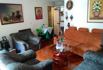 Venta Casa En Campo Valdes Con 6 Alcobas, 1 Patio, 2 Baños.