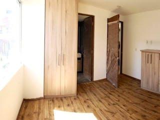 Un cuarto de baño con lavabo y ducha en Departamento en Venta en El Chamizal con balcón