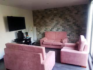 Una sala de estar llena de muebles y una televisión de pantalla plana en Apartamento en venta en Ciudad Salitre Occidental de 98m² con Jardín...