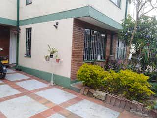 Un edificio que tiene una planta en él en Apartamento en venta en Caobos Salazar de 3 habitaciones