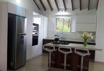 Apartamento en venta en Cabecera Urbana San Cristóbal de 3 hab. con Balcón...