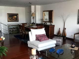 Una sala de estar llena de muebles y una mesa en Apartamento en venta en Santa Ana Occidental de 134m² con Gimnasio...