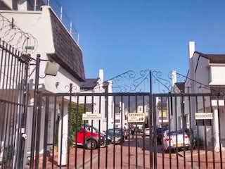 Una vista de un edificio en la ciudad en Casa