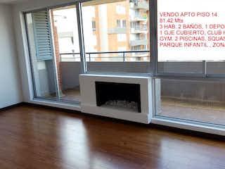 Un horno de microondas sentado en la parte superior de un mostrador en Conjunto Club Residencial Miramont