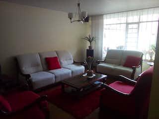Una sala de estar llena de muebles y una ventana en Casa en venta en Contador de 185mts